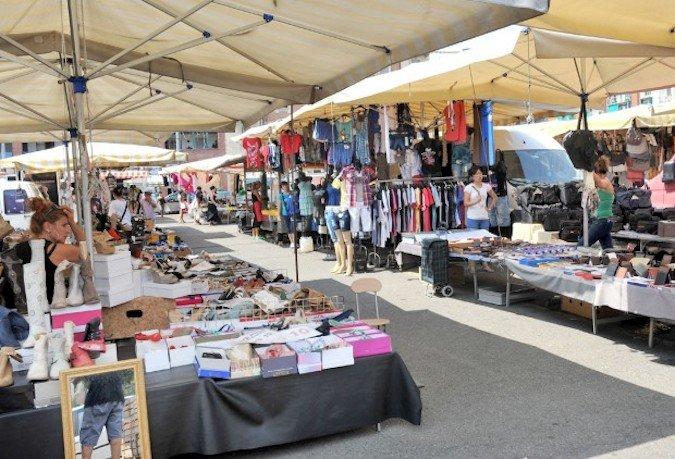 Emergenza rifiuti. Stop al mercato di venerdì 20 Luglio a Sapri.