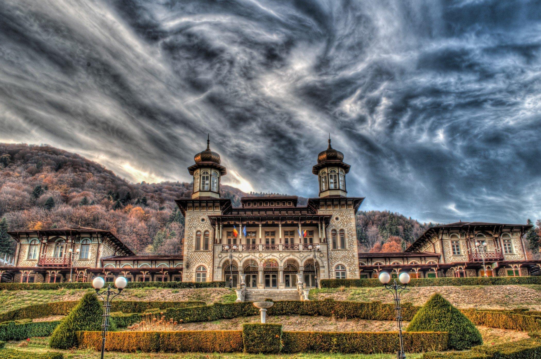 Obiective turistice SLANIC MOLDOVA: 15 Locuri de vizitat ...