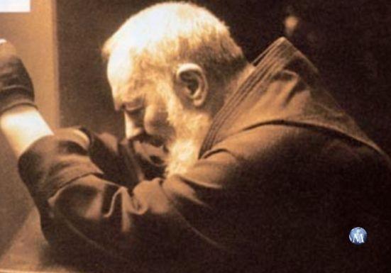 Conoce la vida del Padre Pío con Mater Mundi TV