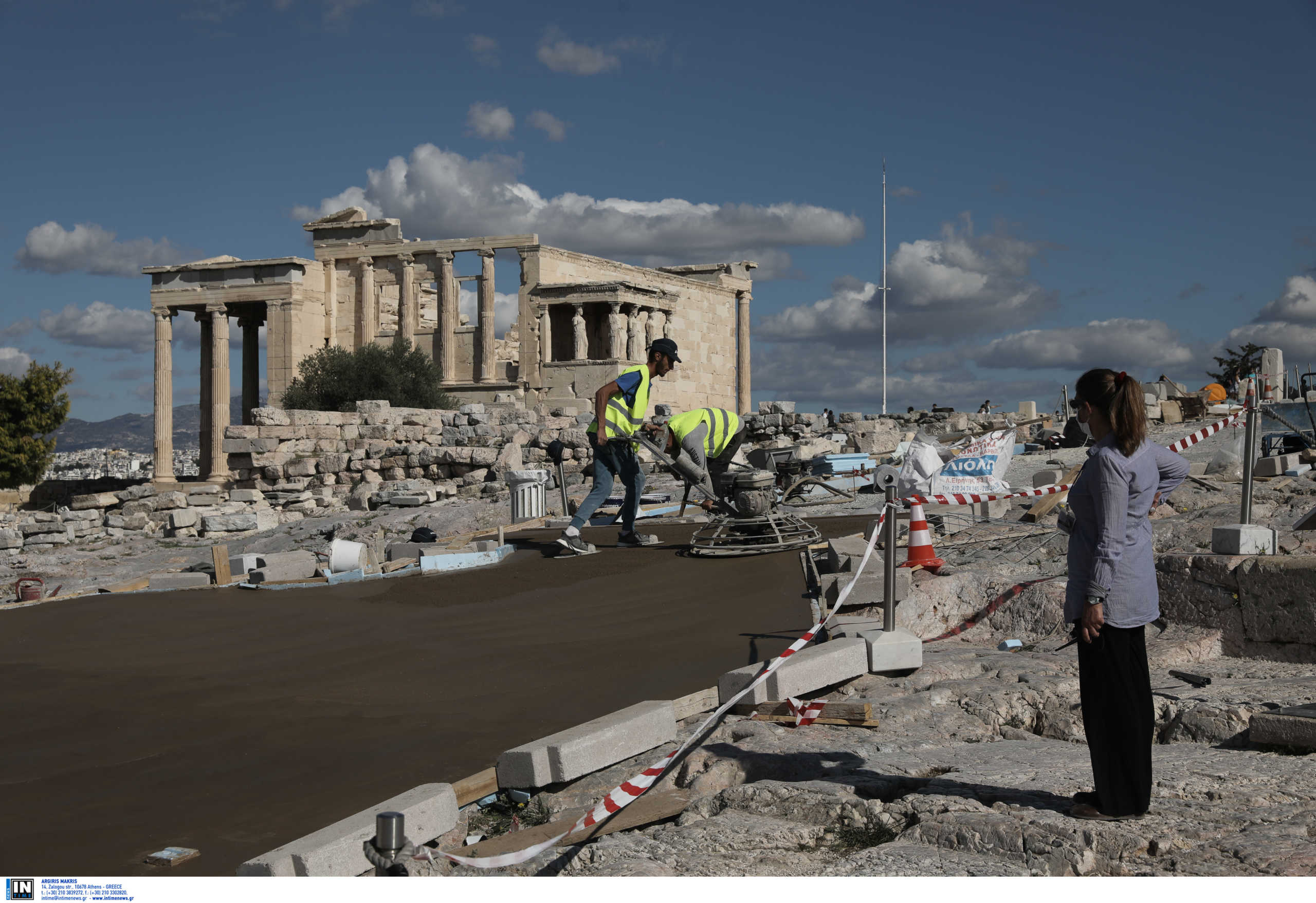 """Μενδώνη για το """"τσιμέντο"""" στην Ακρόπολη: Κάνουν κριτική με ..."""