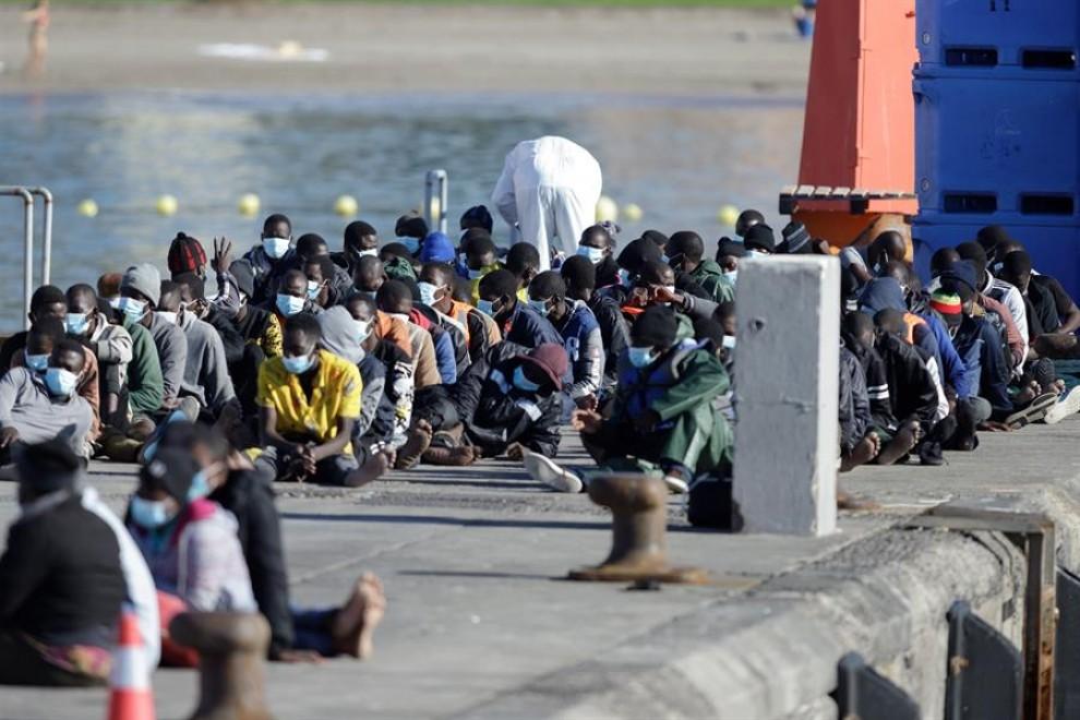 Migración: Un fallecido en un cayuco localizado al sur de ...