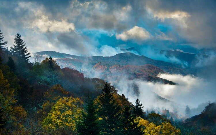 Rand McNally | A Guide to the Smoky Mountains