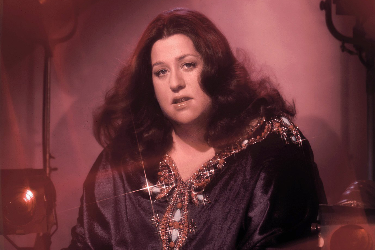 Cass Elliot Performs on 'Dream a Little Dream' in 1970 ...