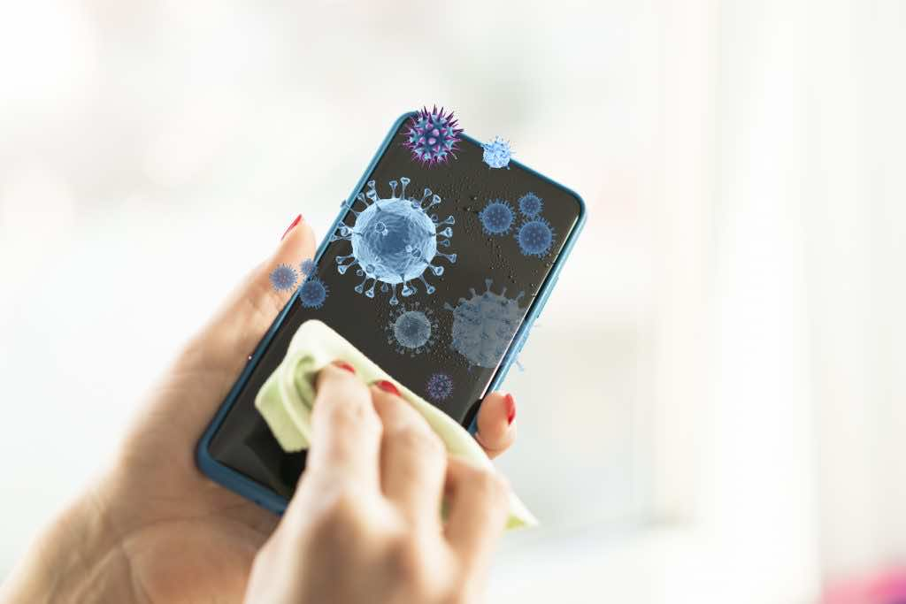 Do Smartphones spread Coronavirus and how to disinfect ...