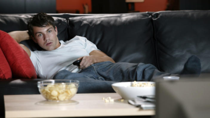 Study Finds That Watching Netflix Can Help You Lose Weight - Sick Chirpse