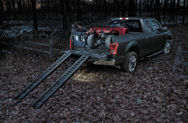2015 Ford F-150: Tailgate and Bed Innovations [Video ...