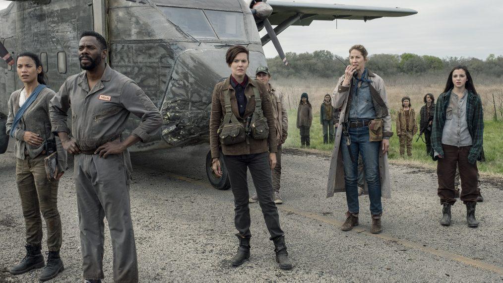 'Fear the Walking Dead' Renewed for Season 6 — New Cast ...