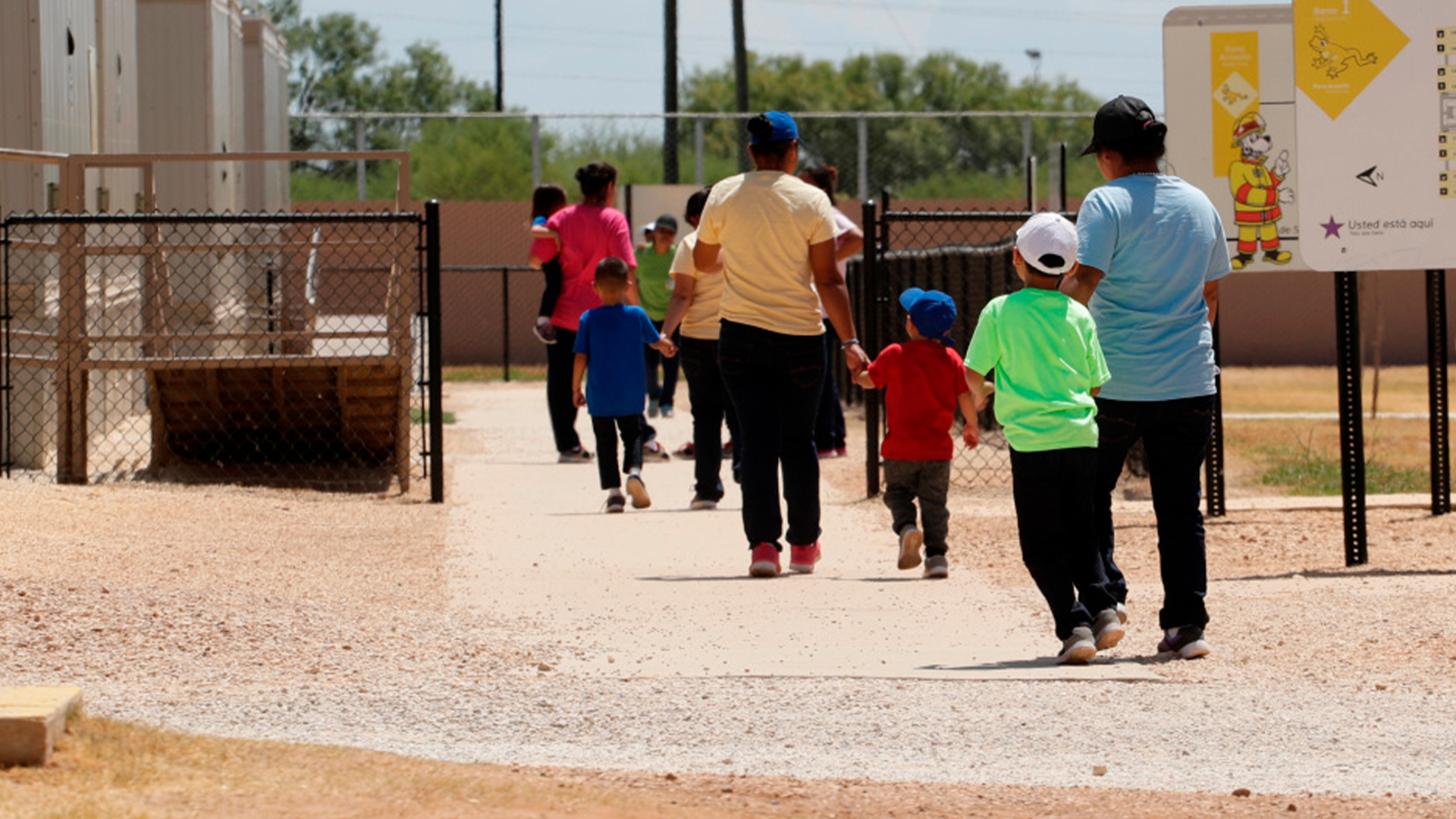 Judge orders ICE to release migrant children held with their families, citing coronavirus…