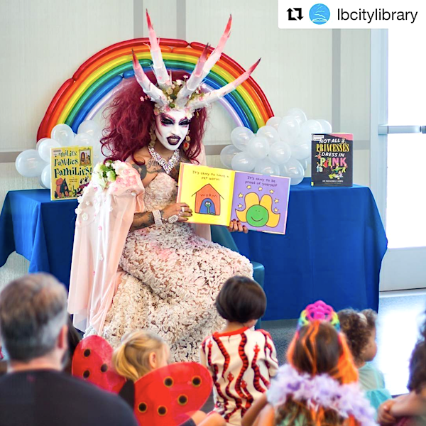 Drag-queen demon reads to kids at Michelle Obama Library - WND