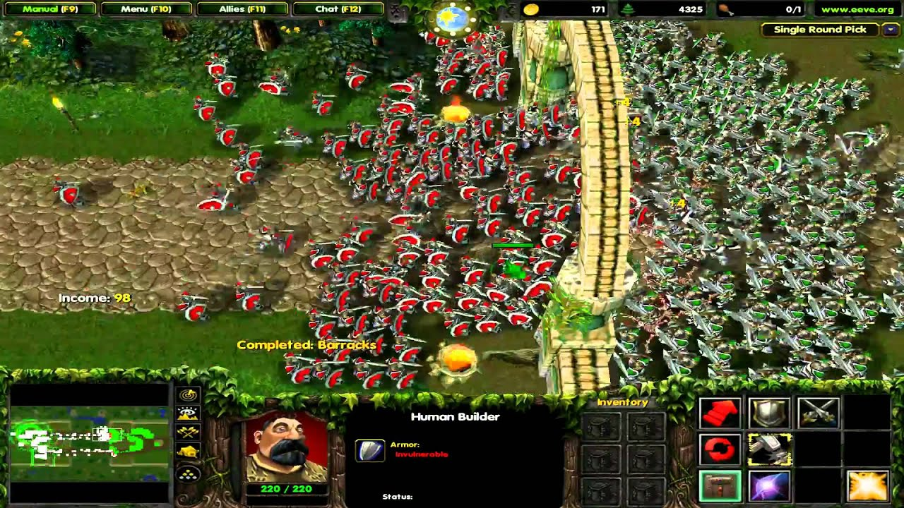 Castle Fight screenshot with many foot soldiers fighting
