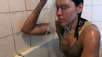 WETLOOK vs WAM Wet Not to Wear for Chocolate Sauce