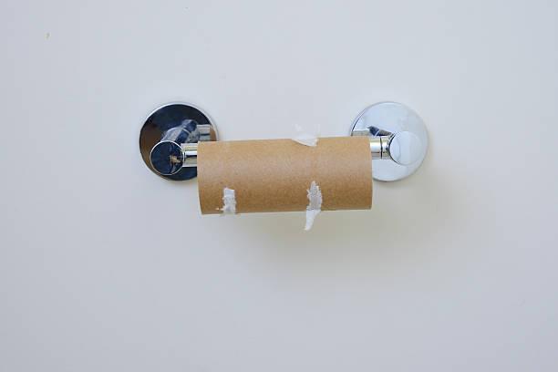 no-toilet-paper-picture-id514691117?k=6%26m=514691117%26s=612x612%26w=0%26h=q1nip3unEamV6VUWsVH_piZM9bYiiZrdpL_-u-0M-h4=&f=1&nofb=1