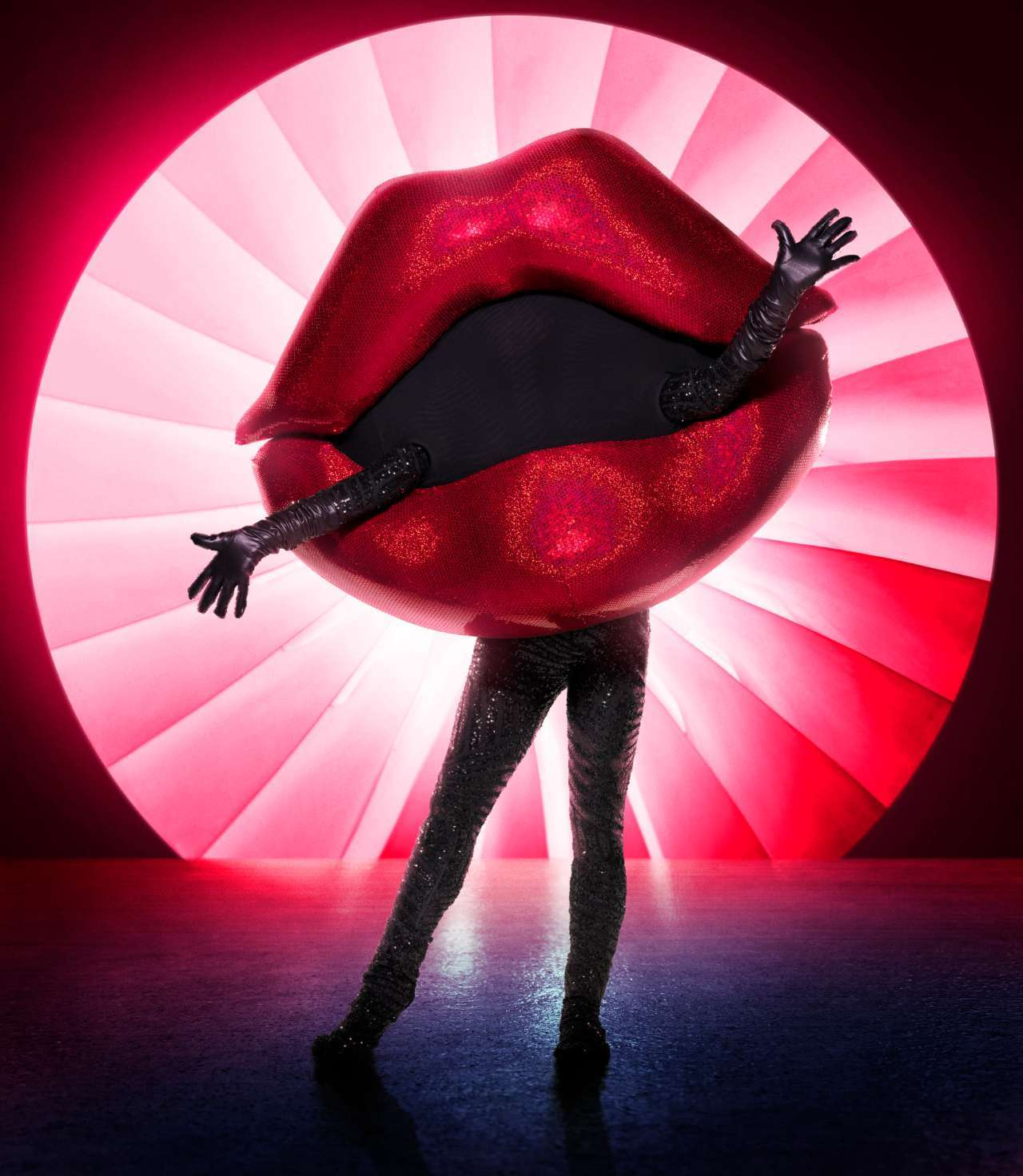 the-masked-singer-lips-20093994.jpeg?auto=webp%26width=1280%26height=1472%26crop=1280:1472,smart&f=1&nofb=1