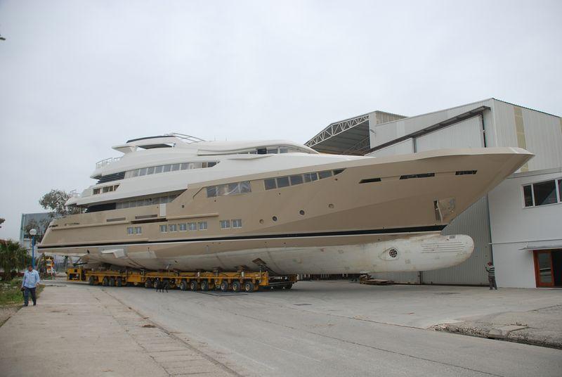 Gentech-built-superyacht-Soraya-46-being