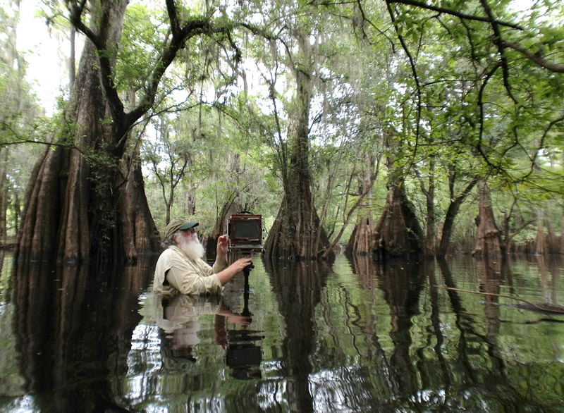 Clyde-Butcher-photographing-in-Florida-s